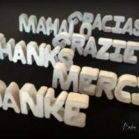 Betonbuchstaben Multikulti