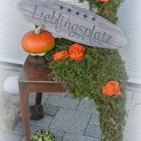 Herbstdeko_Stuhl_Schild_Lieblingsplatz