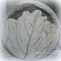 Betonkugel Rabarberblatt unbepflanzt (1)