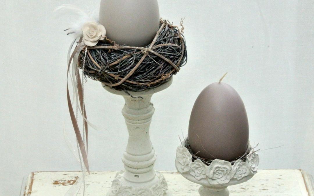 Eierkerzen getaucht